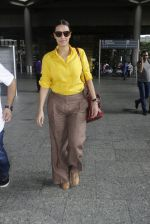 Neha Dhupia snapped at airport on 25th July 2016 (61)_57961cb0a2432.JPG