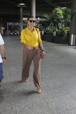 Neha Dhupia snapped at airport on 25th July 2016 (63)_57961cb2eafc5.JPG