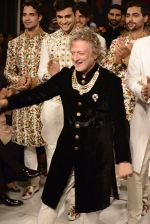 Rohit Bal during Rohit Bal_s latest collection Kehkashaan at the India Couture Week 2016 on July 24, 2016 (1)_57962288b9eb7.JPG