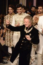 Rohit Bal during Rohit Bal_s latest collection Kehkashaan at the India Couture Week 2016 on July 24, 2016 (5)_5796228777944.JPG