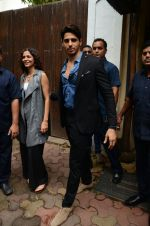 Sidharth Malhotra at the promo shoot in Bungalow 9, bandra on 25th July 2016 (27)_579620e1363b4.jpg