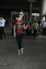 Urvashi Rautela snapped at airport on 25th July 2016 (11)_57961cd4ef56c.JPG