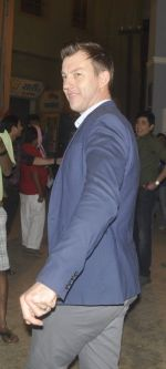Brett Lee on the sets of Bhabhiji Ghar Pe Hai on 27th July 2016 (20)_5798abcd4d1af.JPG