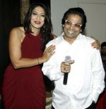aartii naagpal & laungi at a surprise party for Aartii Naagpal on 27th July 2016_5798a68a19baa.jpg