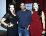 deepshikha,paritosh painter & aartii naagpal at a surprise party for Aartii Naagpal on 27th July 2016_5798a71f9e0df.jpg