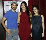 prashant gupta,aartii naagpal & lucky morani at a surprise party for Aartii Naagpal on 27th July 2016 (2)_5798a6e4366b9.jpg