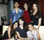 vedant,aartii,deepshikha,vivan,priyanshi & vidhika naagpal at a surprise party for Aartii Naagpal on 27th July 2016_5798a724373e6.jpg