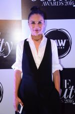 Adhuna Akhtar at Vogue Beauty Awards 2016 on 27th July 2016 (3)_5799a55221c36.JPG