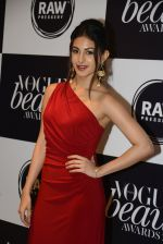 Amyra Dastur at Vogue Beauty Awards 2016 on 27th July 2016 (155)_5799a601ad1d7.JPG