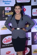 Mannara Chopra at Mirchi Music Awards 2016 on 27th July 2016 (44)_57998f9617349.JPG