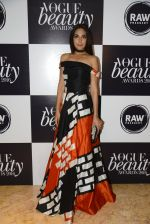 Monica Dogra at Vogue Beauty Awards 2016 on 27th July 2016 (62)_5799a6634c894.JPG