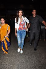 Shilpa Shetty snapped at airport on 27th July 2016 (31)_57998d144125c.JPG