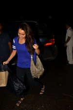 Shraddha Kapoor snapped in Mumbai on 27th July 2016 (10)_579996f4425af.JPG