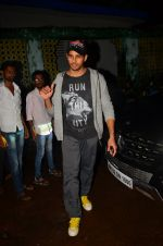 Sidharth Malhotra snapped in Mumbai on 27th July 2016 (13)_5799970704634.JPG