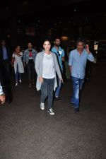 Sunny Leone snapped at airport on 27th July 2016 (10)_57998d3ae9e03.JPG