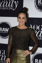 Tara Sharma at Vogue Beauty Awards 2016 on 27th July 2016 (98)_5799a71abc1ad.JPG