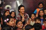 Tiger Shroff at The Voice Kids event on 27th July 2016 (11)_5799964002638.JPG