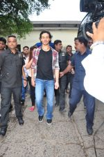 Tiger Shroff at The Voice Kids event on 27th July 2016 (13)_57999645c40d2.JPG