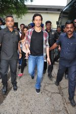 Tiger Shroff at The Voice Kids event on 27th July 2016 (14)_5799964884000.JPG