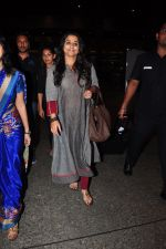 Vidya Balan snapped at airport on 27th July 2016 (40)_57998d51ed96e.JPG