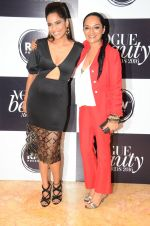 at Vogue Beauty Awards 2016 on 27th July 2016 (52)_5799a593b00a2.JPG