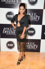 at Vogue Beauty Awards 2016 on 27th July 2016 (54)_5799a595462a4.JPG
