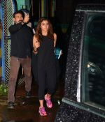 Alia Bhatt snapped together in Mumbai on 28th July 2016 (5)_579af909ba019.JPG