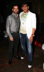 Dinesh Lal Yadav & Ravi Kishan at the red carpet of the post wedding celebrations of Sambhavna & Avinash at Bora Bora_579b851c5aa46.jpg