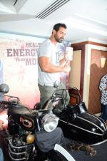 John Abraham at Sofit event on 28th July 2016 (1)_579af9dfa358c.JPG