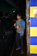Sidharth Malhotra snapped together in Mumbai on 28th July 2016 (15)_579af924a6c44.JPG