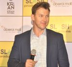 Brett Lee at Oberoi mall event on 29th July 2016 (17)_579cc3289ee3a.JPG