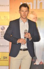 Brett Lee at Oberoi mall event on 29th July 2016 (20)_579cc32e0e3a7.JPG