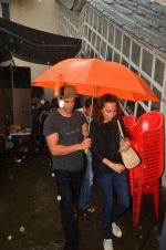Hrithik Roshan snapped in Mumbai on 29th July 2016 (10)_579c7daa60ea4.JPG