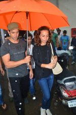 Hrithik Roshan snapped in Mumbai on 29th July 2016 (7)_579c7d9ba33eb.JPG