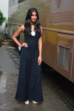 Pooja Hegde snapped in Mumbai on 29th July 2016 (84)_579c7e1fe532f.JPG