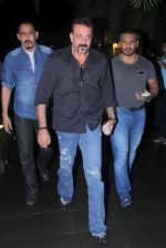 Sanjay Dutt snapped post dinner on 29th July 2016 (13)_579c7f95541db.JPG