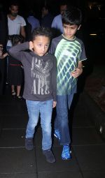 Sanjay Dutt snapped post dinner on 29th July 2016 (5)_579c7f8d3335a.JPG
