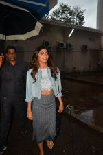 Shilpa Shetty snapped post ad shoot on 29th July 2016 (20)_579c7f0be5b25.JPG