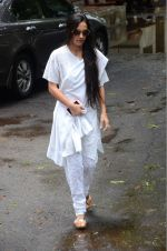 Tara Sharma at Rajjat Barjatya funeral on 30th July 2016 (81)_579cc262514ab.JPG