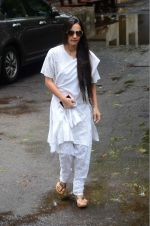 Tara Sharma at Rajjat Barjatya funeral on 30th July 2016 (82)_579cc264be92b.JPG
