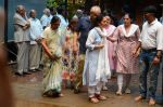 at Rajjat Barjatya funeral on 30th July 2016 (91)_579cc283abd09.JPG
