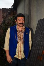 Sunny Deol at Superhit Bhaiya On location on 30th July 2016 (57)_579da6f36a992.JPG