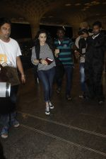 Preity Zinta snapped at the airport on 1st Aug 2016 (5)_579ec0933705a.JPG