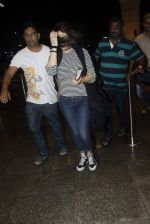 Preity Zinta snapped at the airport on 1st Aug 2016 (8)_579ec095a0961.JPG