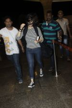 Preity Zinta snapped at the airport on 1st Aug 2016 (7)_579ec094c7eb1.JPG