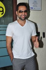 Abhay Deol at Big FM on 1st Aug 2016 (8)_57a03b1ad073e.JPG