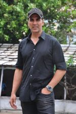 Akshay Kumar at Rustom promotions in Mumbai on 1st Aug 2016 (20)_57a0166034c68.JPG
