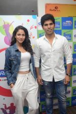Allu Sirish and Lavanya Tripathi during the promotion of Telugu movie Srirastu Subhamastu at Radio City on 2nd August 2016  (28)_57a09cbeb93d3.JPG