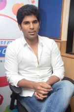Allu Sirish during the promotion of Telugu movie Srirastu Subhamastu at Radio City on 2nd August 2016  (16)_57a09c1102070.JPG
