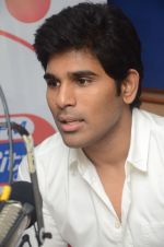 Allu Sirish during the promotion of Telugu movie Srirastu Subhamastu at Radio City on 2nd August 2016  (13)_57a09c09b2b51.JPG